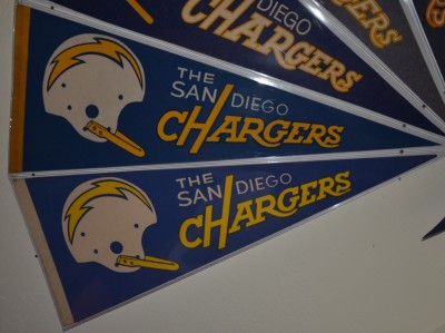 chargers pennant 16