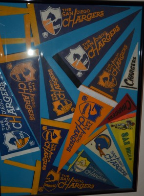 chargers pennant 17